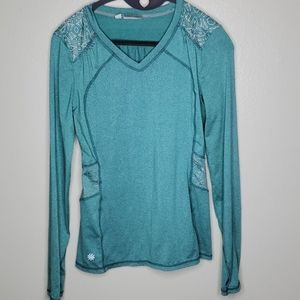4/$25 SALE! Athleta XS long sleeve reflective